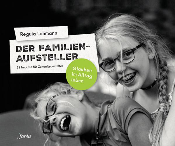 Fontis Familienaufsteller Fotoflip von EightyNine, Agentur für Corporate Design und Grafik in St.Gallen, Schweiz